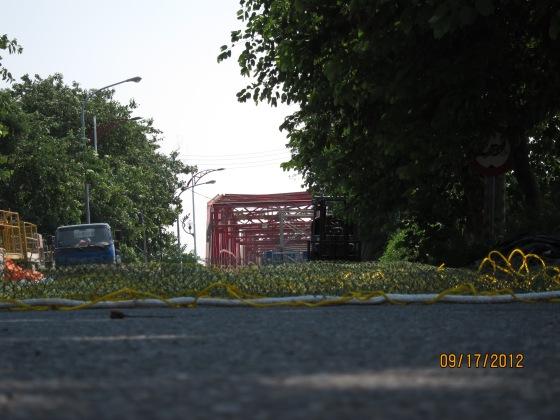 西螺大橋已經封閉,我只能遠遠的在圍籬外一窺她的風貌!